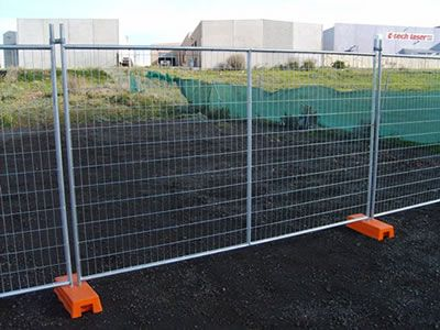 Australian portable fence is used on the construction site.
